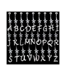 Navlepiercinger med bogstaver