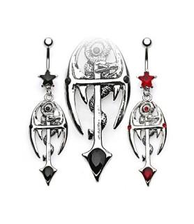 Goth navlepiercing med kors og slange