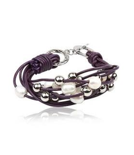 Mørk lilla læderarmbånd med perler og stålkugler