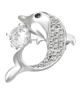 Brocher med delfin og stor krystal.