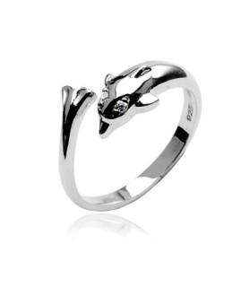 Flot dekoreret delfin  tåring i sølv, med øjne af flotte CZ