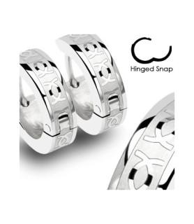 Flotte huggies øreringe i kirurgisk stål med CC (2.stk)