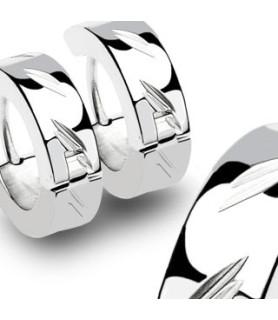 Smukt poleret Ørerings sæt med Cut design